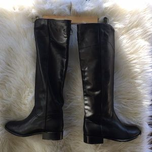 Chanel boots black size 391/2 leather-like new